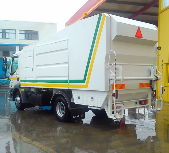 Container washing vehicles